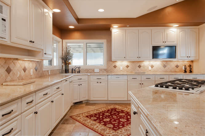 601 Cliffgate Lane-small-023-25-Kitchen-666x445-72dpi