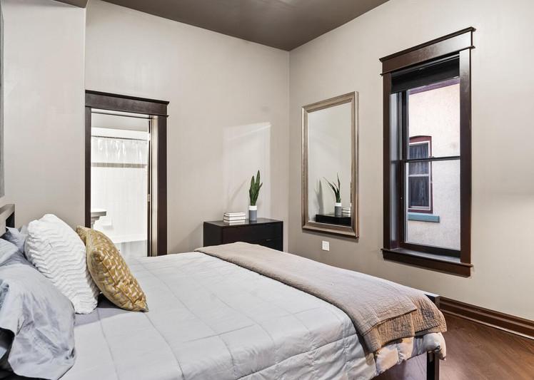 2615 Curtis Street-large-014-029-Bedroom-1500x1000-72dpi.jpg
