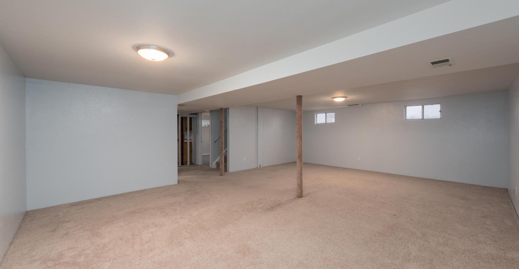 8626 W Utah Avenue-035-031-Lower Level-M