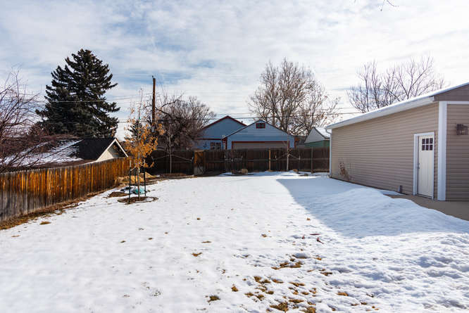 3210 S Emerson Street-small-028-12-Exter