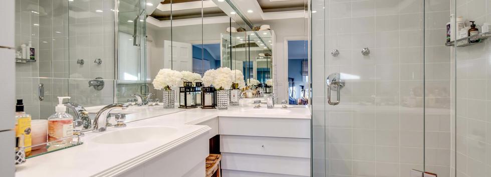 5700 E Prentice Place-035-022-Bathroom-M