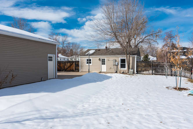 3210 S Emerson Street-small-032-27-Exter