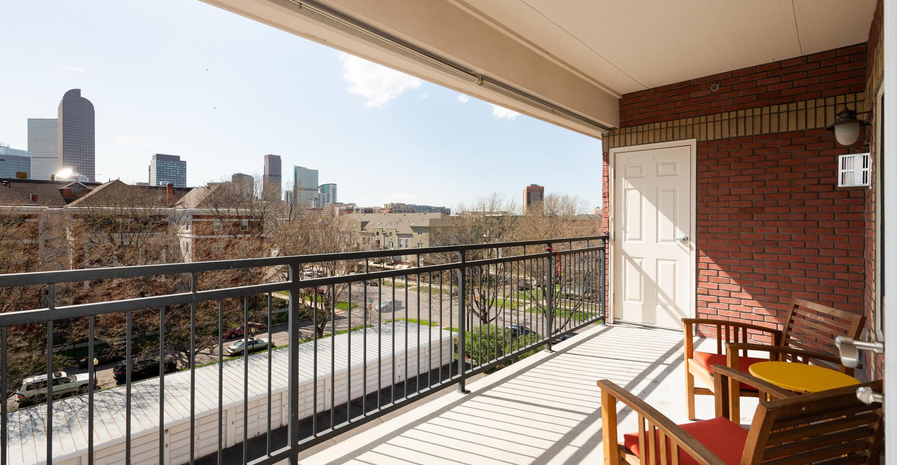 920 E 17th Avenue-043-050-Balcony-MLS_Si
