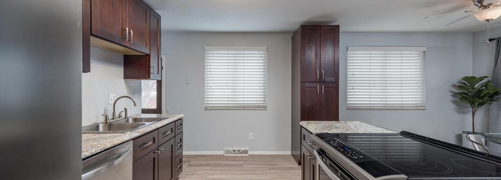8626 W Utah Avenue-017-024-Kitchen-MLS_S