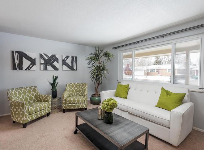 8626 W Utah Avenue-008-015-Living Room-M