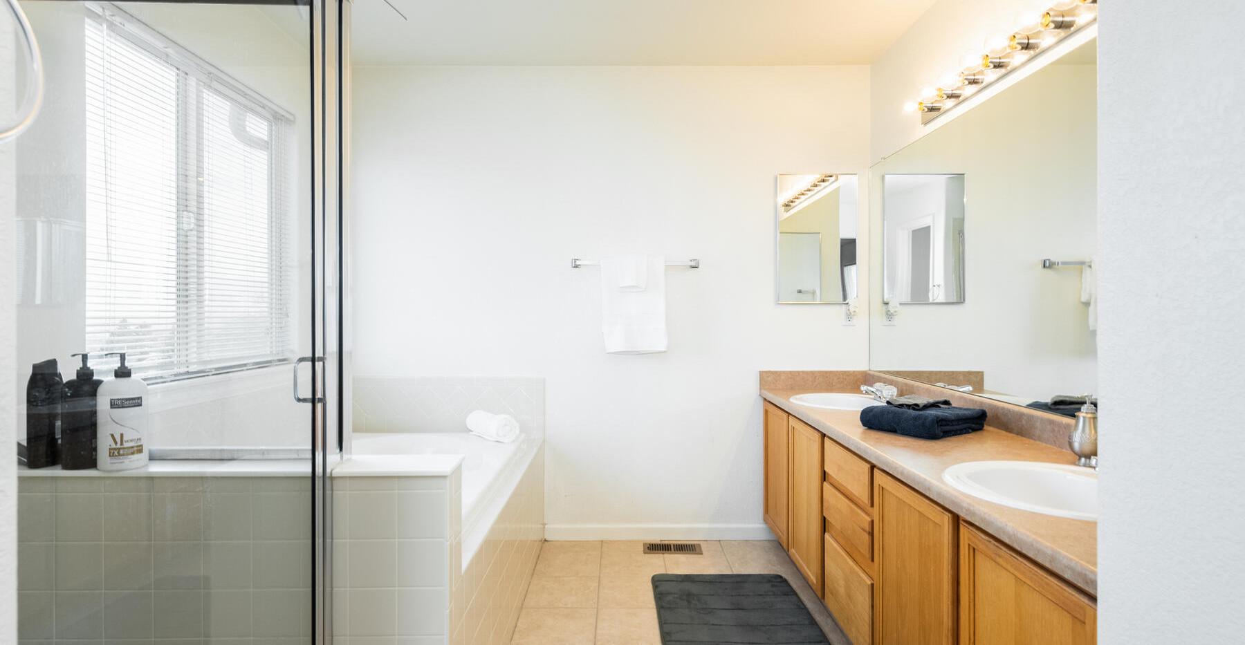 2112 W 101st Circle-030-026-Bathroom-MLS