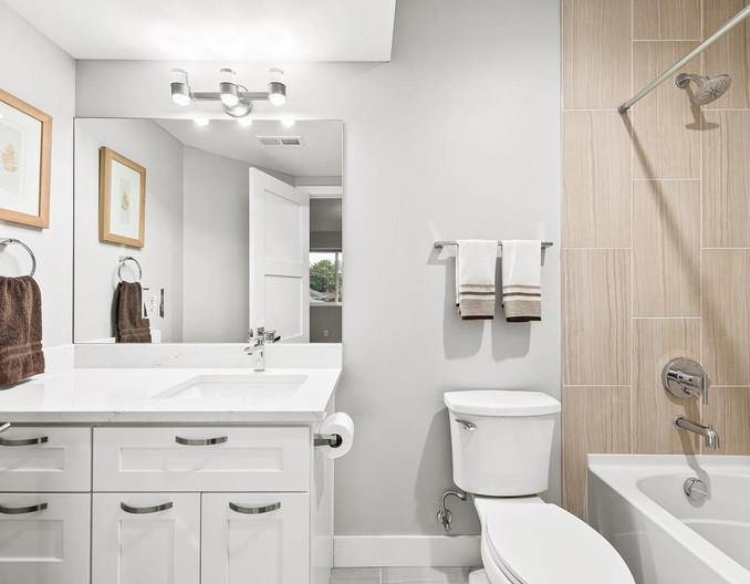 3547 Vallejo St-large-026-034-Bathroom-1498x1000-72dpi.jpg