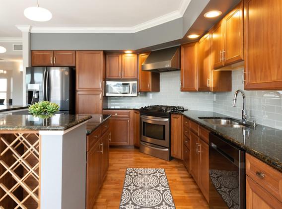 920 E 17th Avenue-037-041-Kitchen-MLS_Si