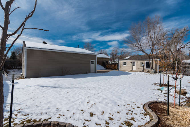 3210 S Emerson Street-small-031-28-Exter