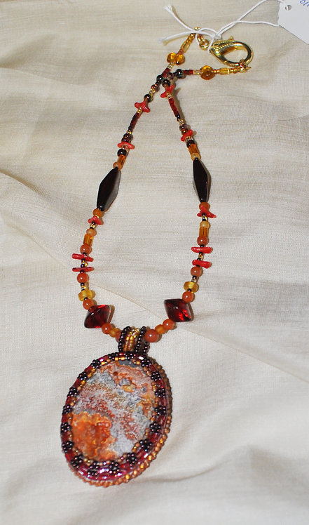 Lace Agate and Cabochon Pendant Necklace