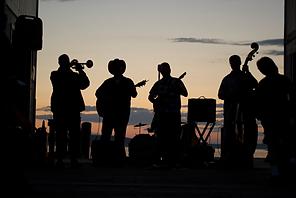Apresentação Musical de Verão