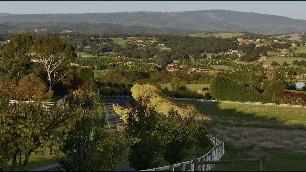 Welcome to La Dimora Retirement Village, Hidden Valley Resort & Surrounds.
