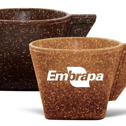 Xícara de Cafezinho feita com 50% de Fibra de Coco ou Madeira