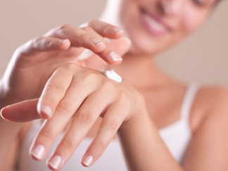 Moisturize Your Hands to Prevent Winter Cracking*