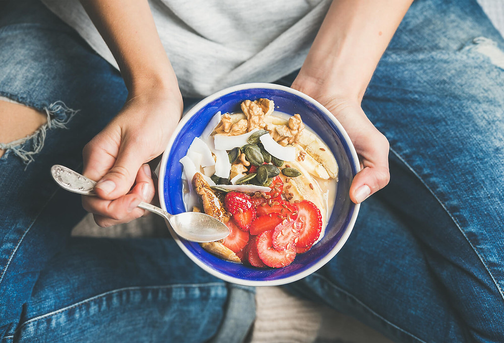 Yogurt with Granola and Fresh Fruit