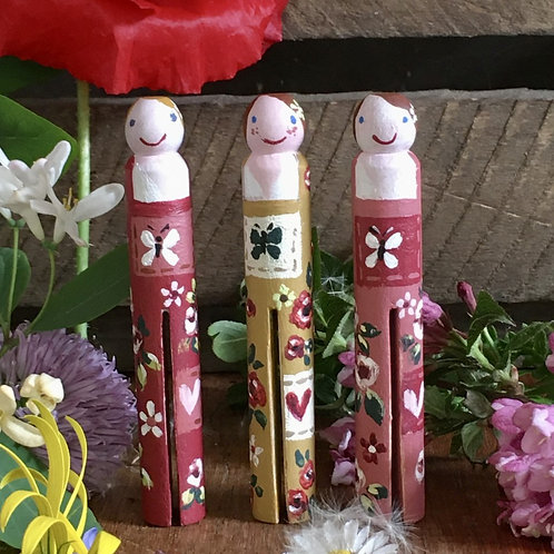 Hand Painted Peg Dolls (freckles)