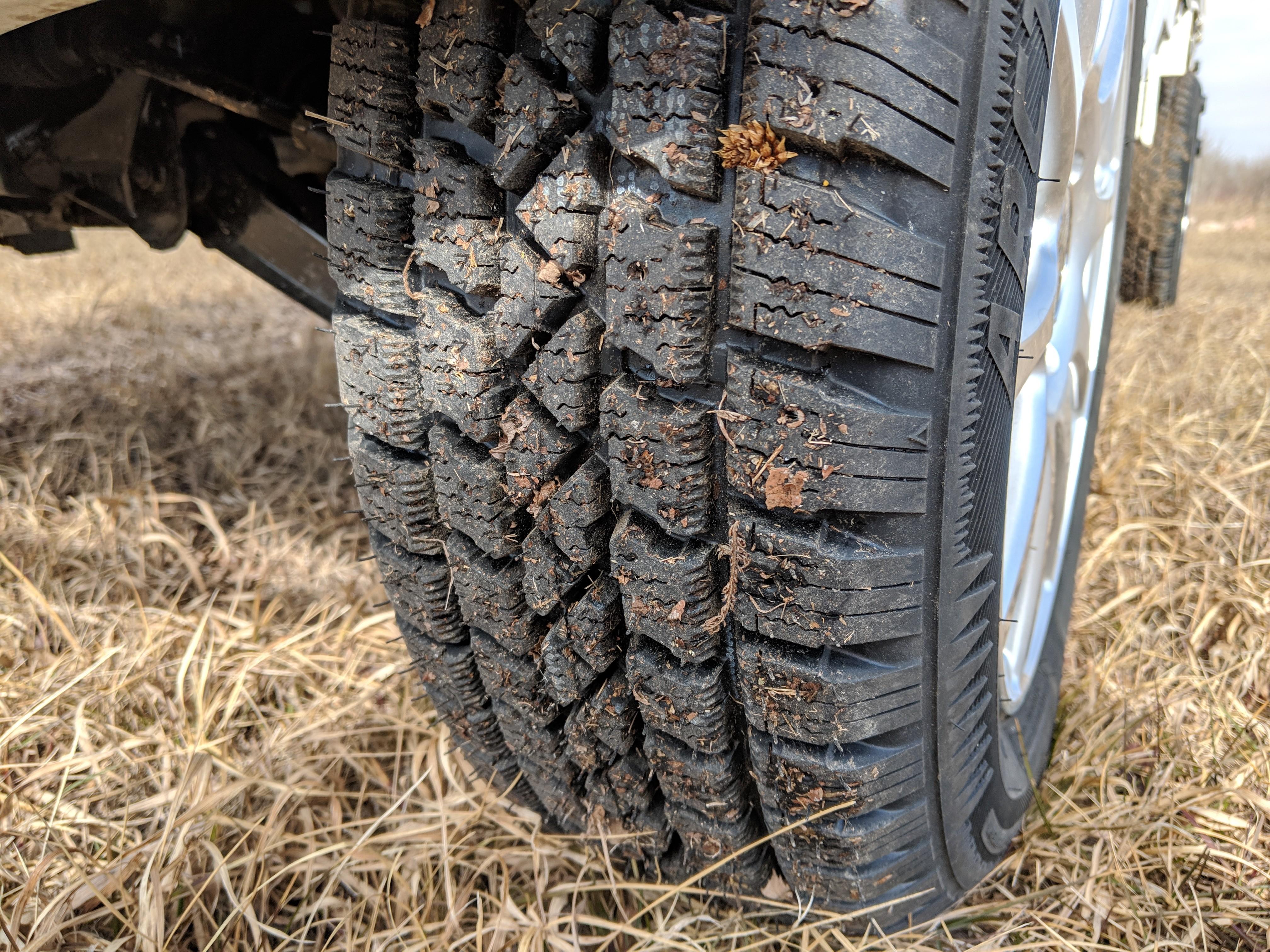 DOT M&S Tire
