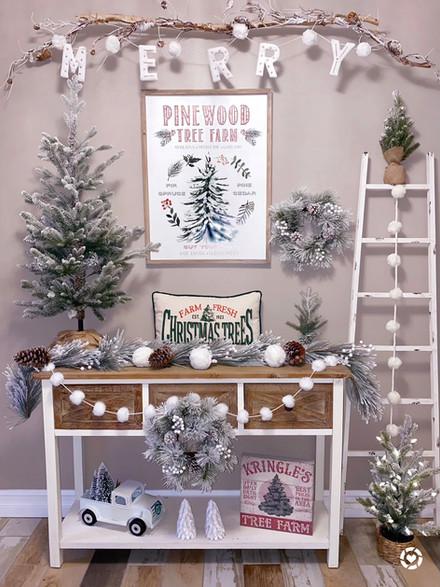 Christmas Tree Farm Entryway