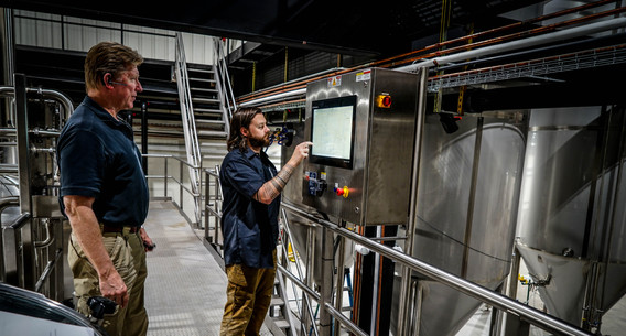 Glen Sprouse and Jason Carroll brewing