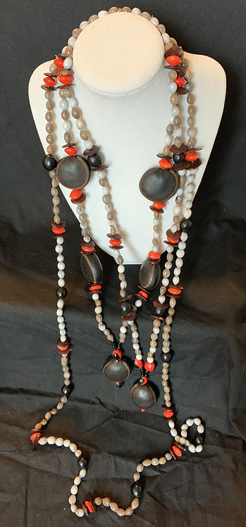 JN93 Seed and Nut Necklace