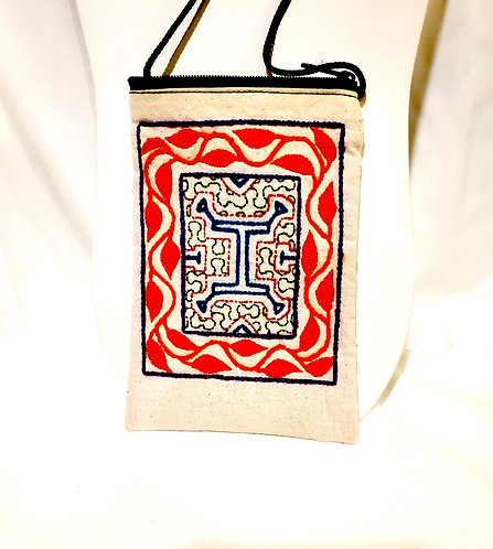 GB16.2 Hand-Embroidered Shipibo Textile Zip Close and Lined Bag