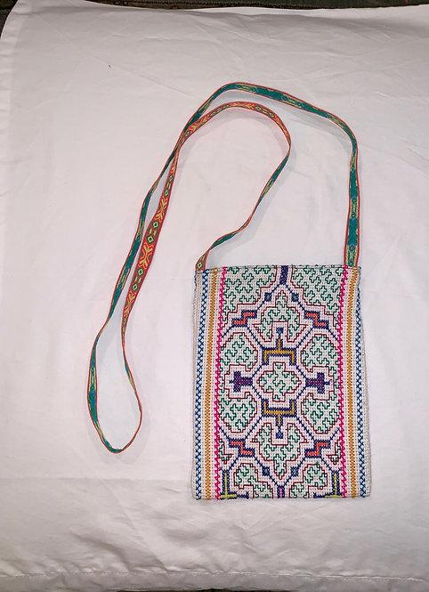 """GB22 Hand-Embroidered and Lined Shipibo Textile Bag 8.5"""" x 6.5"""""""