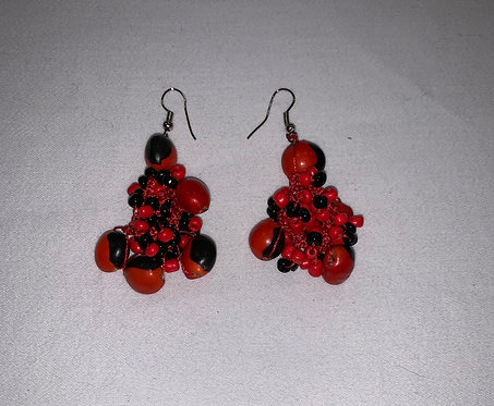 JE16 Huayruro Bead Red Earrings