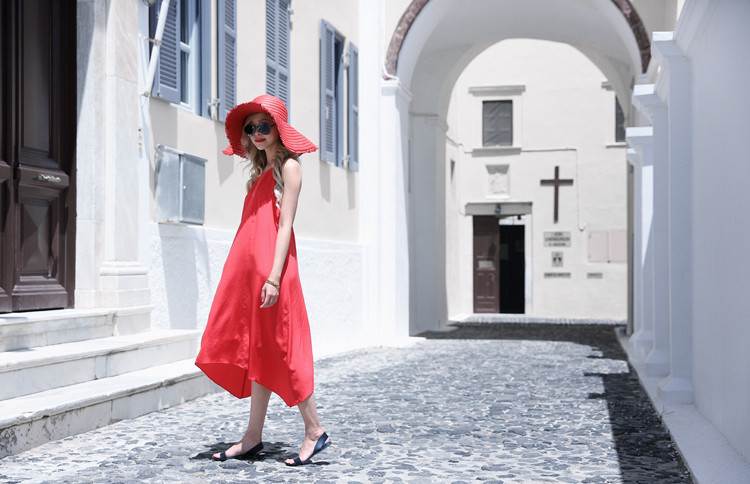 Love Between the Racks X Santorini, Greece - Club Monaco dress & Zara floppy hat 5