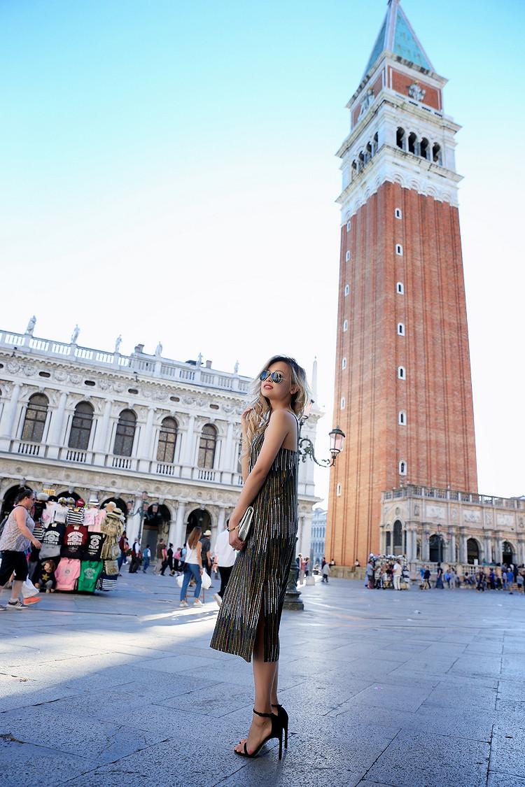 Love Between the Racks - Fashion Blogger x Venice, Italy - H&M print dress 9