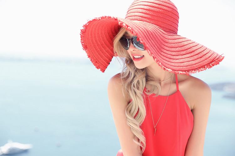 Love Between the Racks X Santorini, Greece - Club Monaco dress & Zara floppy hat 2