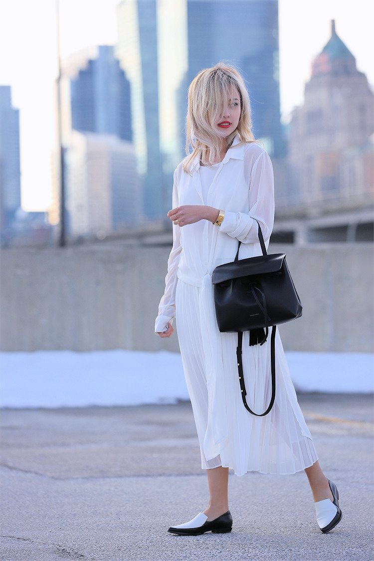 Love Between the Racks - Fashion Blogger Lina Dinh - All white outfit, pleated skirt0722