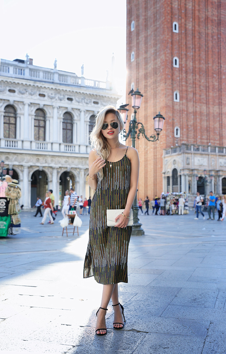 Love Between the Racks - Fashion Blogger x Venice, Italy - H&M print dress 5