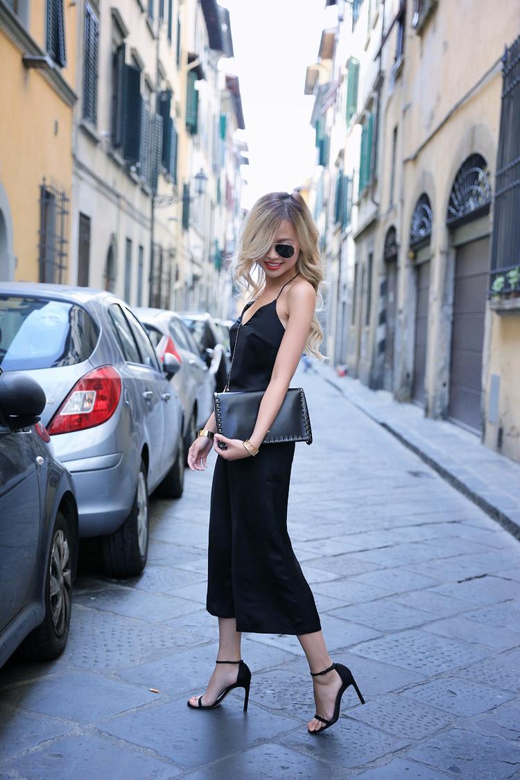 Love Between the Racks - Fashion Blogger - Bershka jumpsuit, Valentino rockstud clutch