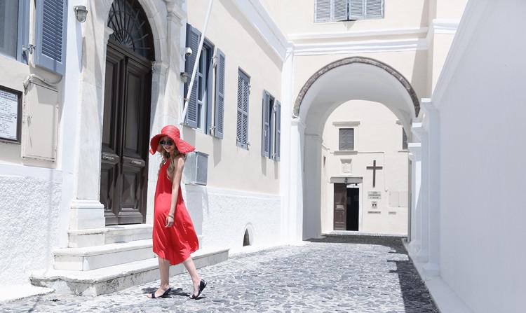 Love Between the Racks X Santorini, Greece - Club Monaco dress & Zara floppy hat 4
