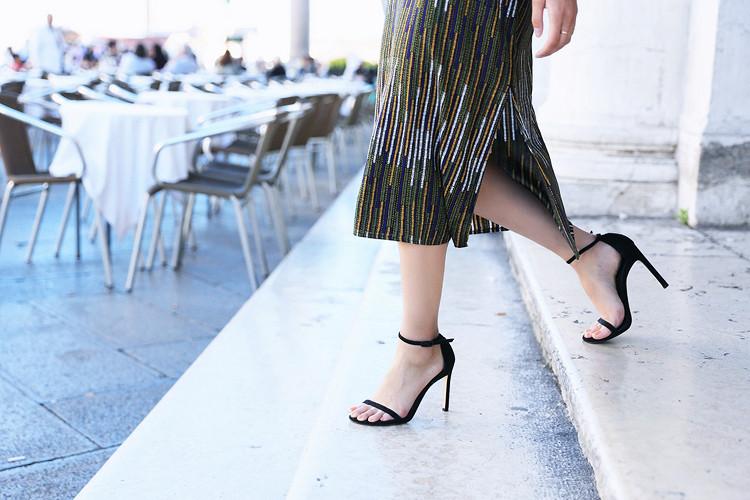 Love Between the Racks - Fashion Blogger x Venice, Italy - H&M print dress 4