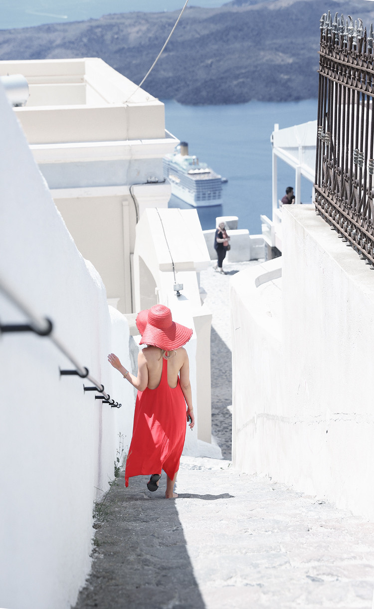 Love Between the Racks X Santorini, Greece - Club Monaco dress & Zara floppy hat 7