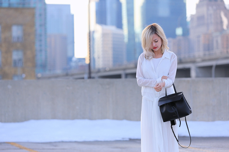 Love Between the Racks - Fashion Blogger Lina Dinh - All white outfit, pleated skirt0687