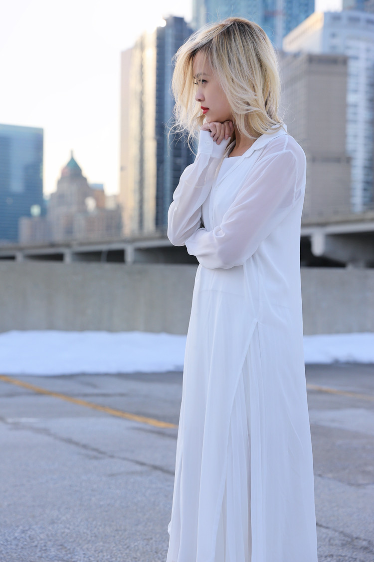 Love Between the Racks - Fashion Blogger Lina Dinh - All white outfit, pleated skirt0603