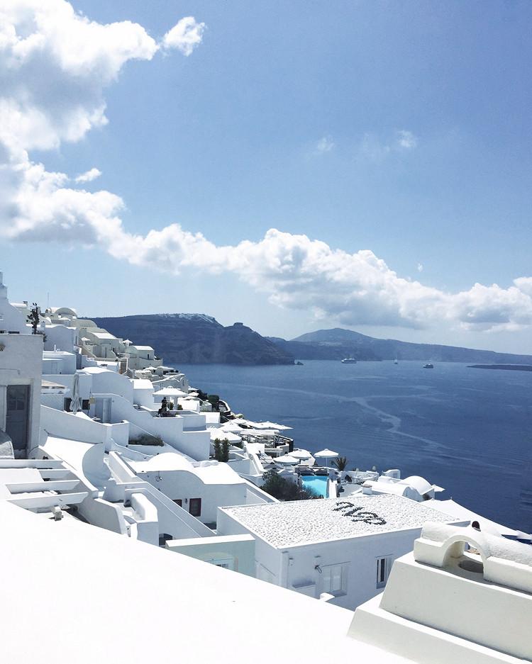 Love Between the Racks X Santorini, Greece 8