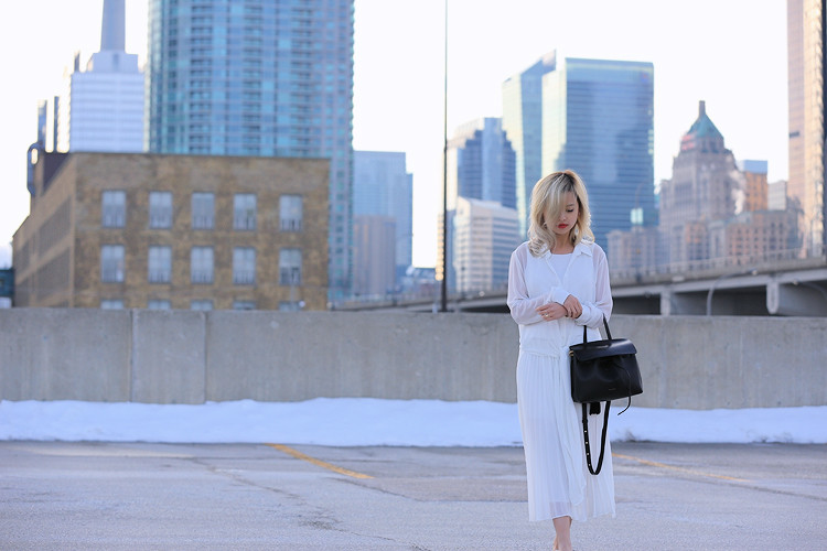 Love Between the Racks - Fashion Blogger Lina Dinh - All white outfit, pleated skirt0690