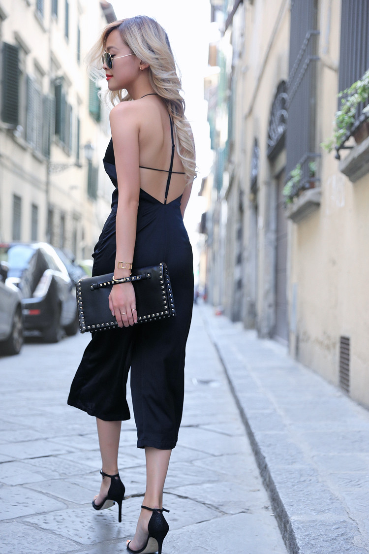 Love Between the Racks - Fashion Blogger - Bershka jumpsuit, Valentino rockstud clutch 4