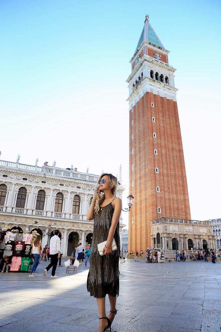 Love Between the Racks - Fashion Blogger x Venice, Italy - H&M print dress 8