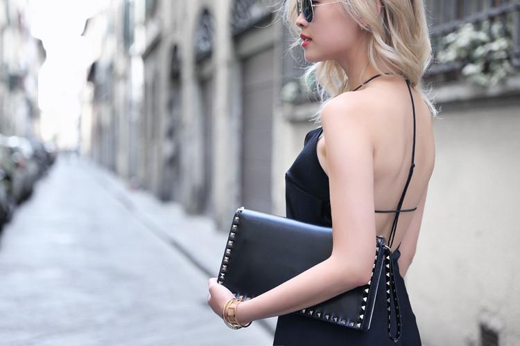Love Between the Racks - Fashion Blogger - Bershka jumpsuit, Valentino rockstud clutch 5