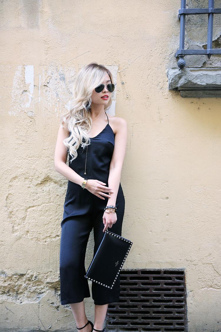 Love Between the Racks - Fashion Blogger - Bershka jumpsuit, Valentino rockstud clutch 8