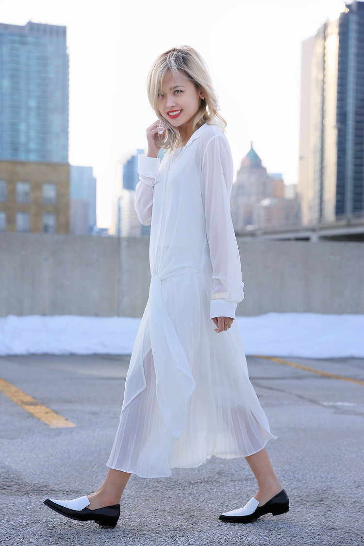 Love Between the Racks - Fashion Blogger Lina Dinh - All white outfit, pleated skirt0680