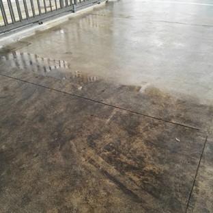 Lavaggio di fondo pavimentazione industriale
