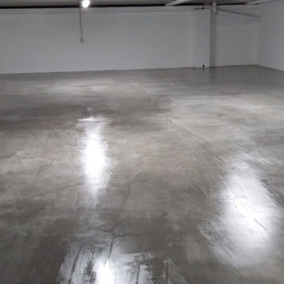 Sigillatura pavimento in cemento (dopo)