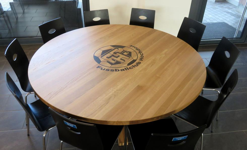 Stammtisch aus Buchenholz