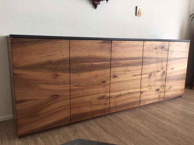 Massivholzmöbel Nussbaum / Dreischicht-Platte Eigenproduktion