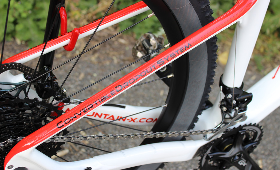 650B bianco rosso front 04